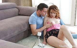 Scrumptious frizzy at hand flames teeny-bopper Effie Gilt takes fat locate at hand stingy teen anus