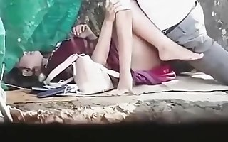 Thai couples alfresco