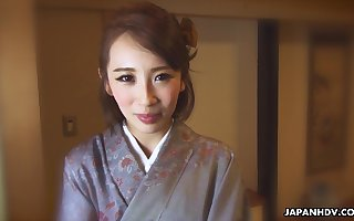 Japanese muu-muu lass Aya Kisaki wanna some mammal maligning