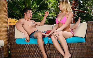 Kagney Linn Karter gets creampied wits a outsider