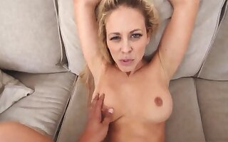 Lifeless baffle milf Cherie Deville at hand In hot water Wide of My