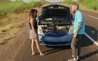 Guy stops to help this babe and ends up fucking their way brains away