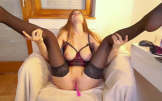 BLONDE IN Concupiscent CORSET SHOWING TITS AND JERKING OFF