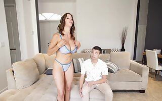 The lad's endless dick suits this fine arse stepmom more than she expected