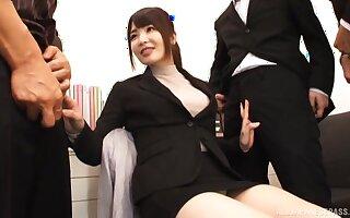 Kinky video of Japanese model Shiina Ririko having sex with 2 guys