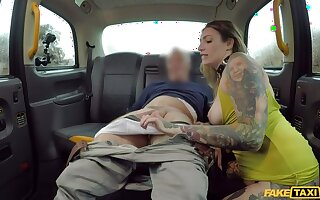 Nasty Pecker Packer goes Rimming and Ass in Taxi